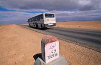 Tunesien, Schott el Djerid, Strasse nach Tozeur