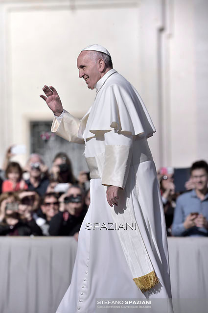 Pope Francis audience with the Italian National Social Security Institute's workers (inps) in St. Peter's Square at the Vatican.Nov. 7, 2015