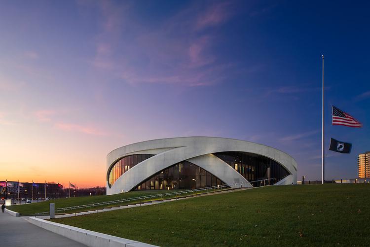 National Veteran's Memorial & Museum | KLIK USA