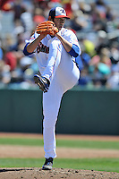 Tennessee Smokies pitcher Dae-Eun RHEE #39 delivers a pitch during a game against Chattanooga Lookouts at Smokies Park on April 10, 2014 in Kodak, Tennessee. The Lookouts defeated the Smokies 1-0. (Tony Farlow/Four Seam Images)