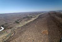 Ridge Soaring: AMERIKA, VEREINIGTE STAATEN VON AMERIKA,PENNSYLVANIA,  (AMERICA, UNITED STATES OF AMERICA), 09.04.2006: ASH 26 E in Ridge Soaring, Flugplatz aus der Luft, Appalachen im Fruehjahr