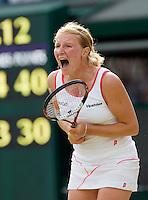 26-6-08, England, Wimbledon, Tennis,     Kudyavtseva defeats Sharapova