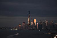 Blick auf  Manhattan bei Sonnenuntergang