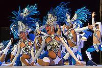 BARRANQUILLA-COLOMBIA-16-02-2014. Con la Fiesta de Comparsas y la participacion de 179 grupos folcloricos en el estadio Romelio Martinez, el Carnaval de Barranquilla prende motores para invitar a los turistas a los ultimos 4 d'as de carnavales que se realizaran los primeros  dias del proximo mes. With the Feast of Troupes and the participation of 179 folkloric groups in the stadium Romelio Martinez, the Barranquilla Carnival comprising engines to invite tourists to the last 4 days of carnivals that the first days of this month were held .Photo :VizzorImage / Alfonso Cervantes / Stringer