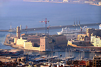 - Marsiglia, panorama della città con l'ingresso del Porto Vecchio e il forte St Jean<br /> <br /> <br /> <br /> - Marseille, panorama of the city with the entrance of the Old Port and the fort St Jean