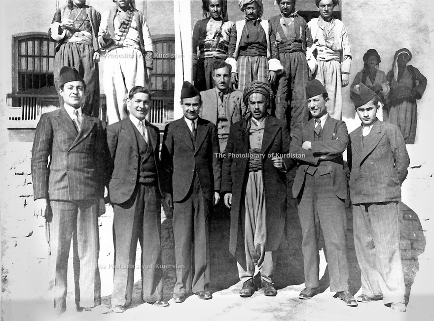Iraq 1940 .In march, near the village of Drash, members of the Herki tribe, in front, 1st right, Assad Fatah Agha and 3rd, Fatah Agha .Irak 1940 .En mars , pres de Drash, membres de la tribu Herki, 1er rang , a droite, Assad Fatah Agha et le 3eme, Fatah Agha