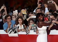 L'attrice statunitense Viola Davis firma autografi ai fans durante un red carpet alla 14^ Festa del Cinema di Roma all'Aufditorium Parco della Musica di Roma, 26 ottobre 2019.<br /> US actress Viola Davis signsp autographs on a red carpet  during the 14^ Rome Film Fest at Rome's Auditorium, on 26 October 2019.<br /> UPDATE IMAGES PRESS/Isabella Bonotto