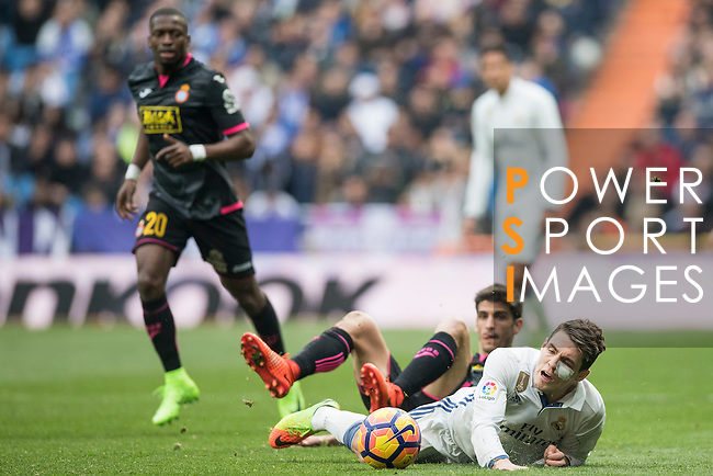 Mateo Kovacic of Real Madrid falls down during the match Real Madrid vs RCD Espanyol, a La Liga match at the Santiago Bernabeu Stadium on 18 February 2017 in Madrid, Spain. Photo by Diego Gonzalez Souto / Power Sport Images