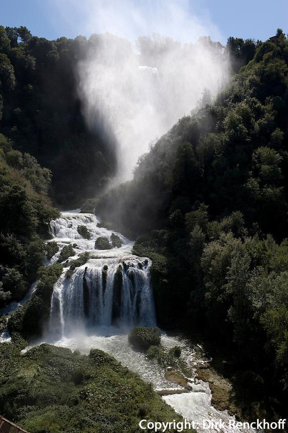 Italien, Umbrien, Wasserfall Cascate delle Marmore