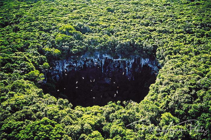 Maré, grotte