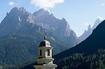 Italy, South Tyrol, Alto Adige, Dolomites, Val di Sesto, Sesto Pusteria:  parish church spire, Cima Croda Rossa, Cima Undici and Croda dei Toni mountains