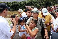 PUENTE INTERNACIONAL SIMÓM BOLÍVAR  -CÚCUTA-COLOMBIA, 13-08-2016.Reabierto el paso peatonal enter Colombia y Venezuela.  ./ Open the pedestrian walkway between Colombia and Venezuela. . Photo:VizzorImage / Manuel  Hernández    / Contribuidor