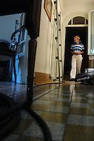 Lavoratori dello spettacolo durante la riprese di Casa Coop.Workers in the entertainment during the filming of House Coop.Filippo Fabozzi.Direttore creativo. Creative director..CASA COOP è una sit-com, prodotta dalla Coop, sulla vita quotidiana di persone di varia umanità, ambientata in un condominio. Gli episodi saranno diffusi via internet.HOUSE COOP is a sit-com produced by the Coop, about daily life of people with different  humanity , that live in a condominium. Episodes will be disseminated by Internet. ...