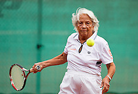 Netherlands, Amstelveen, August 18, 2015, Tennis,  National Veteran Championships, NVK, TV de Kegel,  Lady's doubles 80+ years,   Wil Sevenstern-van der Ree<br /> Photo: Tennisimages/Henk Koster