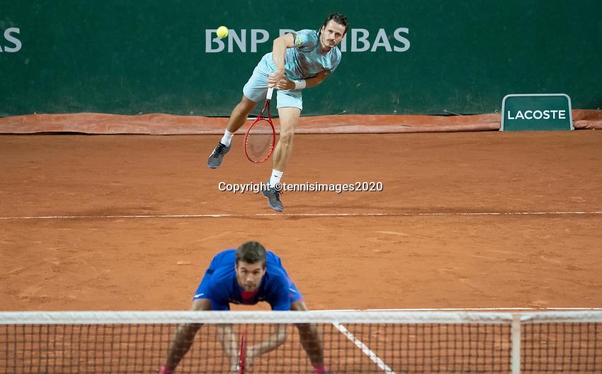Paris, France, 30 May, 2020, Tennis, French Open, Roland Garros, Men's doubles: Wesley Koolhof (NED) (back) and Nikola Mektic (CRO)<br /> Photo: Susan Mullane/tennisimages.com