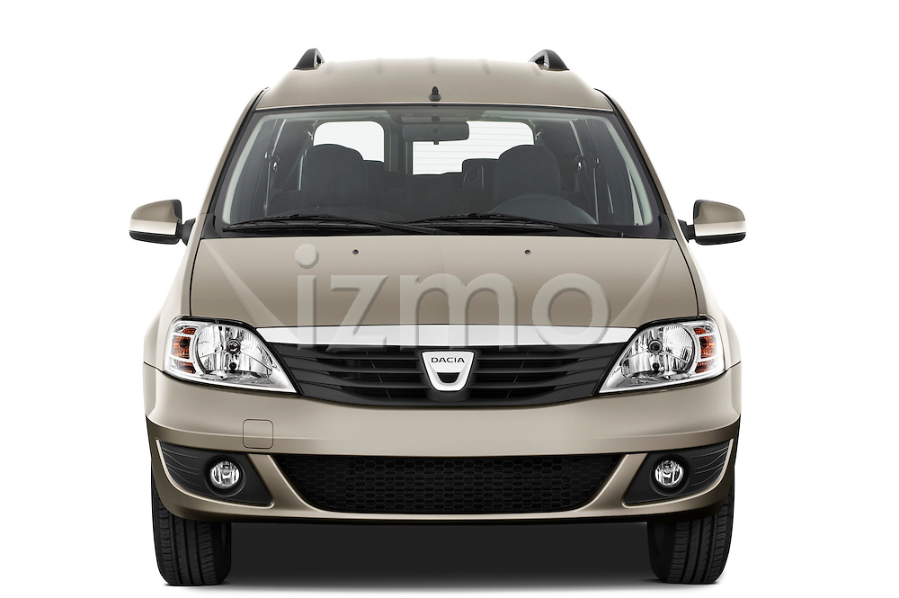 Straight front view of a 2009 Dacia Logan Laureate Minivan