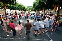 Festival de la langue occitane (une année sur deux) autour de la langue, des jeux et de la musique, place de la Grande Rigaudi