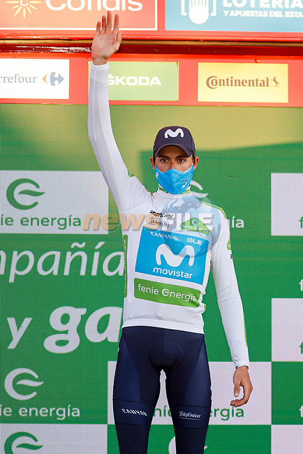 Enric Mas (ESP) Movistar Team retains the ypung riders White Jersey at the end of Stage 8 of the Vuelta Espana 2020 running 160km from Logroño to Alto de Moncalvillo, Spain. 28th October 2020.   <br /> Picture: Luis Angel Gomez/PhotoSportGomez | Cyclefile<br /> <br /> All photos usage must carry mandatory copyright credit (© Cyclefile | Luis Angel Gomez/PhotoSportGomez)