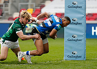 27th March 2021; Brentford Community Stadium, London, England; Gallagher Premiership Rugby, London Irish versus Bath; Anthony Watson of Bath charges past Ollie Hassell-Collins of London Irish for a try