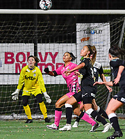 duel pictured between Aalst's Daisy Baudewijns and Jessica Silva Valdebenito (18 Charleroi) during a female soccer game between Sporting Charleroi and Eendracht Aalst on the 8th  matchday of the 2020 - 2021 season of Belgian Scooore Womens Super League , friday 20 th of November 2020  in Marcinelle , Belgium . PHOTO SPORTPIX.BE | SPP | DAVID CATRY