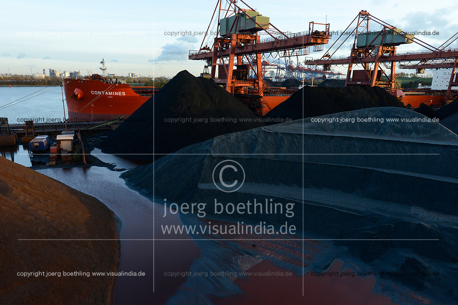 Germany, Hamburg, Hansaport import of coal and ore / DEUTSCHLAND, Hamburg, Hansaport, Import von Kohle und Erz, Entladung von kannadischer Kohle vom Schiff Contamines
