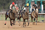 Ricardo Santana, Jr. aboard the 6 horse (Goingoingone) fighting for postion with Lindey Wade aboard the 3 horse (Bad Ronnie). (Justin Manning/Eclipse Sportswire)