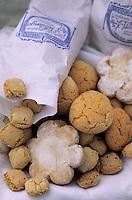 Europe/Espagne/Baléares/Minorque : Pâtisseries traditionnelles : Pastissets, Amargos, Craquinols