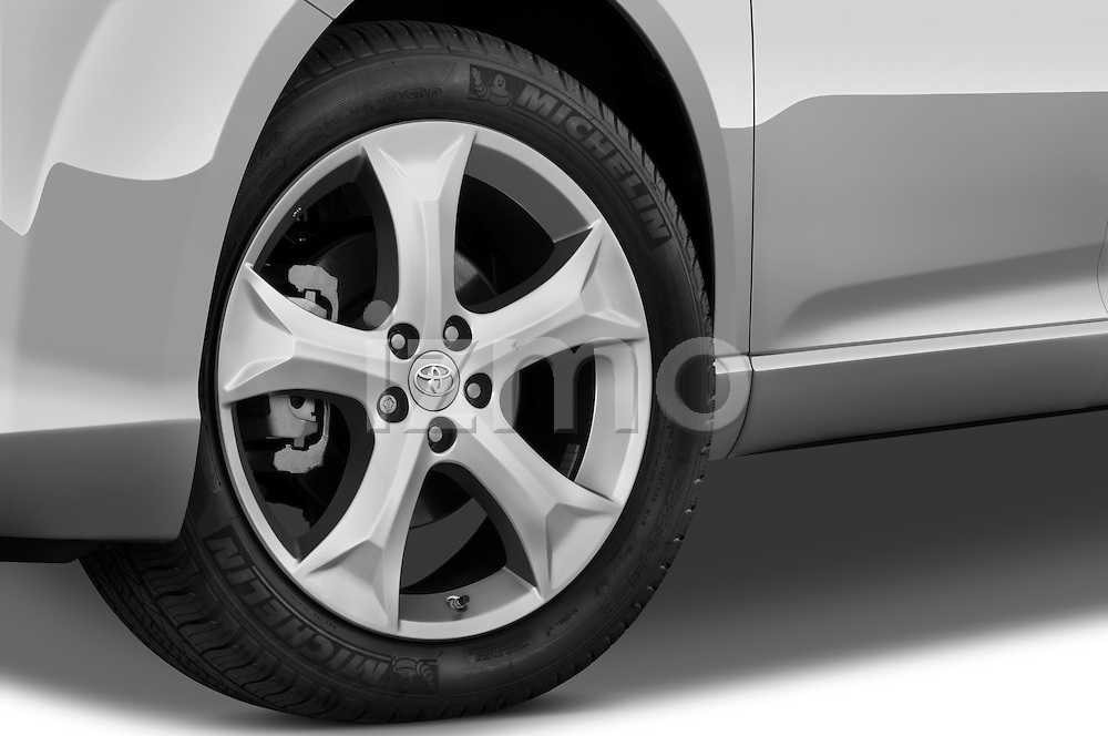 Tire and wheel close up detail view of a 2009 Toyota Venza