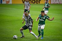 Belo Horizonte (MG) 14/08/21 - Atlético-MG-Palmeiras - Mariano e Willian durante partida entre Atlético-MG e Palmeiras , válida pela décima  sexta rodada do Campeonato Brasileiro no Estadio Mineirão em Belo Horizonte neste sábado (14)