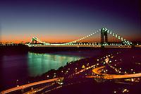 Night scene of the George Washington Bridge in New York City