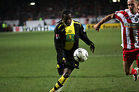 Steven Pienaar (Borussia Dortmund) gegen Nikolce Noveski (FSV Mainz 05)