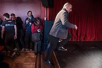 Pressekonferenz anlaesslich der Praesentation von DiEM (Democracy in Europe Movement) am 9. Februar 2016 im Roten Salon der Volksbuehne am Rosa-Luxemburg-Platz. Der ehemalige griechsche Finanzminister und Yanis Varoufakis stellte vor 70 bis 80 Journalisten die Ideen der Organisation vor.<br /> 9.2.2016, Berlin<br /> Copyright: Christian-Ditsch.de<br /> [Inhaltsveraendernde Manipulation des Fotos nur nach ausdruecklicher Genehmigung des Fotografen. Vereinbarungen ueber Abtretung von Persoenlichkeitsrechten/Model Release der abgebildeten Person/Personen liegen nicht vor. NO MODEL RELEASE! Nur fuer Redaktionelle Zwecke. Don't publish without copyright Christian-Ditsch.de, Veroeffentlichung nur mit Fotografennennung, sowie gegen Honorar, MwSt. und Beleg. Konto: I N G - D i B a, IBAN DE58500105175400192269, BIC INGDDEFFXXX, Kontakt: post@christian-ditsch.de<br /> Bei der Bearbeitung der Dateiinformationen darf die Urheberkennzeichnung in den EXIF- und  IPTC-Daten nicht entfernt werden, diese sind in digitalen Medien nach §95c UrhG rechtlich geschuetzt. Der Urhebervermerk wird gemaess §13 UrhG verlangt.]