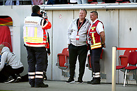Trainer Horst Hrubesch laesst sich and Sanitaeter fotografieren   <br /> /   World Championships Qualifiers women women /  2017/2018 / 07.04.2018 / DFB National Team / GER Germany vs. Czech Republic CZE 180407031 / <br />  *** Local Caption *** © pixathlon<br /> Contact: +49-40-22 63 02 60 , info@pixathlon.de