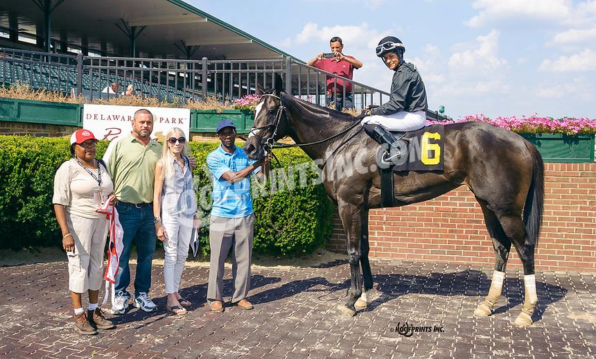 Miss Aliphant winning at Delaware Park on 7/29/19
