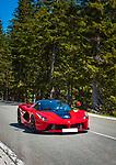 Deutschland, Bayern, Berchtesgadener Land, oberhalb Berchtesgaden: mit einem roten Ferrari unterwegs auf der Rossfeld-Ringstrasse | Germany, Upper Bavaria, Berchtesgadener Land, above Berchtesgaden: with a red Ferrari driving the Rossfeld-Ringstrasse