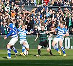 Nederland, Rotterdam, 3 mei 2015<br /> KNVB Bekerfinale<br /> Seizoen 2014-2015<br /> PEC Zwolle-FC Groningen<br /> Elftalfoto van PEC Zwolle<br /> Simon Tibbling (2e van r.) van FC Groningen wordt omringt door spelers van PEC Zwolle.