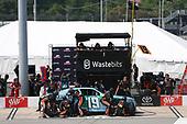 NASCAR Xfinity Series<br /> ToyotaCare 250<br /> Richmond International Raceway, Richmond, VA USA<br /> Saturday 29 April 2017<br /> Matt Tifft, Wastebits Toyota Camry pit stop<br /> World Copyright: Matthew T. Thacker<br /> LAT Images<br /> ref: Digital Image 17RIC1mt1507