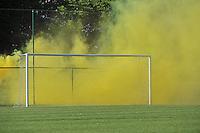 Belgium - Ukraine : Yellow Smoke <br /> foto DAVID CATRY / Nikonpro.be