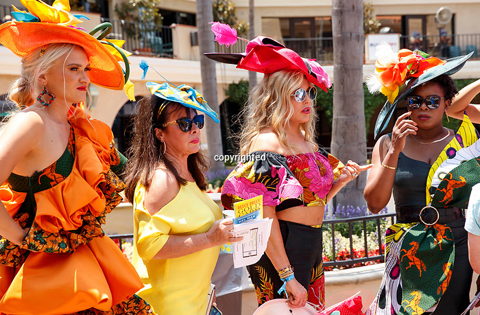 DEL MAR, CA  JULY 16: Fancy dresses and hats (Photo by Casey Phillips/ Eclipse Sportswire/CSM)