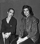 VISITA NEI  CAMERINI SUSAN SONTAG<br /> ADRIANA ASTI - PRIMA AL TEATRO ELISEO ROMA 12/1980