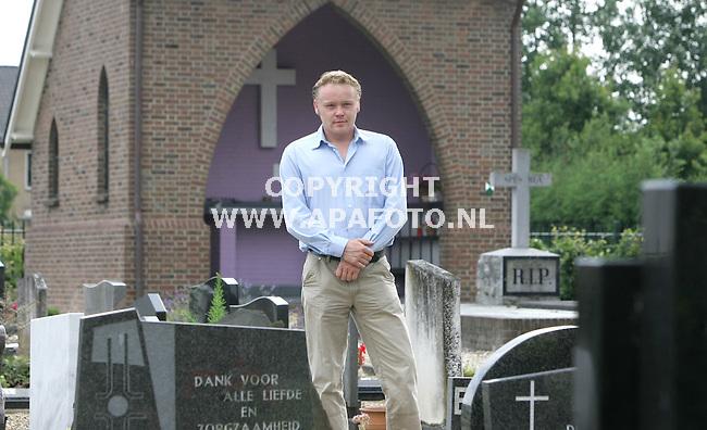 Randwijk 070705 johan doeze jager heeft het plan opgevat om in de limburgse mijnen een kerkhof te bouwen.<br /> Foto frans ypma APA-foto