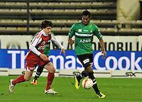 Cercle Brugge KSV - KV Kortrijk : Renato Neto aan de bal voor de opzittende Gert Jan Demets.foto VDB / BART VANDENBROUCKE