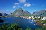 Norwegen, Nordland, Lofoten, Reine: Fischerdorf | Norway, Nordland, Lofoten Islands, Reine: fishing village