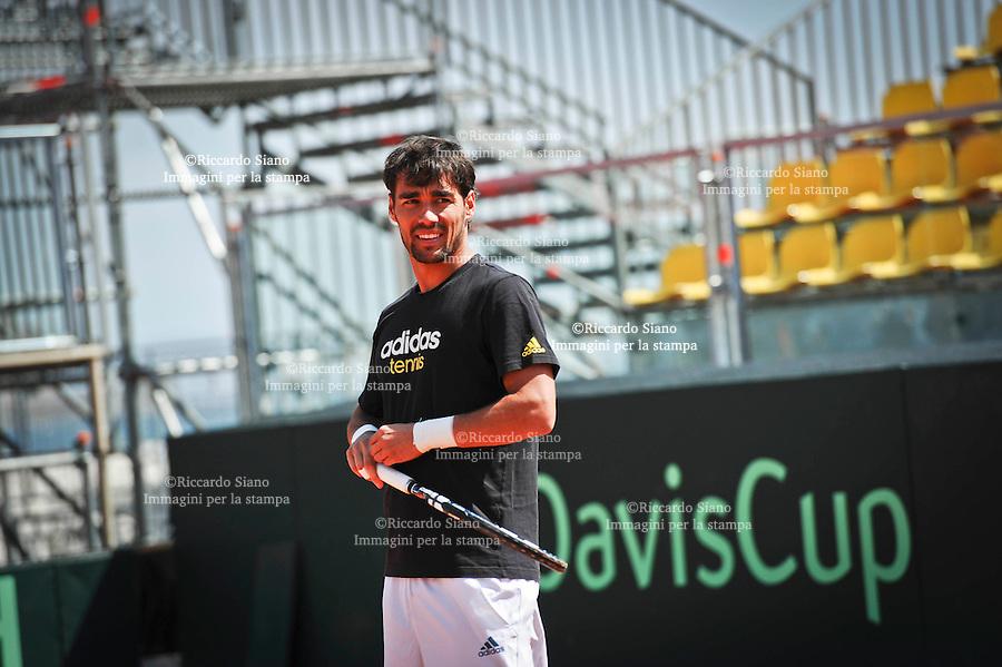 - NAPOLI 2 APR  2014 -  Coppa Davis  Italia-Gran Bretagna <br /> allenamenti. nella foto FABIO FOGNINI