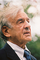 Elie Wiesel, Holocaust survivor, Nobel Laureate, author at New England Holocaust Memorial Boston MA 9.18.05