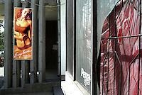 """BULGARIEN, 09.2009.Sliven.Diese zentralbulgarische Industriestadt ist einer der wichtigsten Herkunftsorte fuer in Westeuropa arbeitende Prostituierte:.Nach ihrer Rueckkehr eroeffnen die Ex-Prostituierten haeufig Solarien oder Schoenheitssalons. Oft schaffen sie damit Arbeitsplaetze fuer andere Frauen, bleiben aber meist dem mafioesen Milieu verbunden..Das Solarium """"Ergoline"""" in der Hristo-Botev-Str..This central-bulgarian industrial town is one of the main origins of prostitutes for Western Europe, especially Belgium and Holland:.Returning home, ex-prostitutes are known for opening solaria and beauty salons. They often manage to create jobs for other women but tend to stay close to mafia economy. The tanning studio """"Ergoline"""" in Hristo Botev street..© Martin Fejer/EST&OST"""