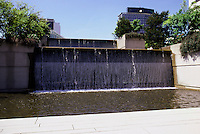 Vancouver: Law Courts--Robson Square--Megastructure. Fountain, Pool.  Photo '86.
