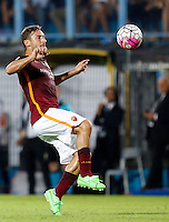 Calcio, Serie A: Frosinone vs Roma. Frosinone, stadio Comunale, 12 settembre 2015.<br /> Roma's Francesco Totti in action during the Italian Serie A football match between Frosinone and Roma at Frosinone Comunale stadium, 12 September 2015.<br /> UPDATE IMAGES PRESS/Riccardo De Luca