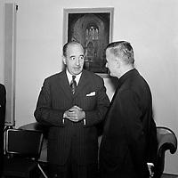 Le Major Hugues Lapointe, Commandant de la compagnie A, a l'assemblee nationale, le 26 juin 1960, Quebec.<br /> <br /> PHOTO :  Agence Quebec Presse