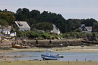 Europe/France/Bretagne/56/Morbihan/ Golfe du Morbihan/La Trinité-sur-Mer:  la rivière de Crac'h et chantiers ostréicoles
